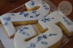 Números en galleta pintadas a mano| Hand painted cookies